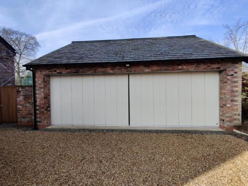 Insulated Side Slide Garage Door