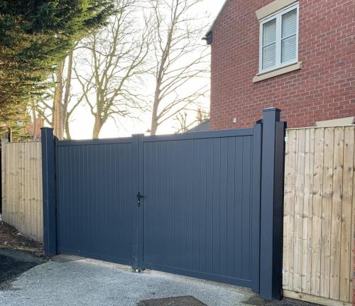 Manual aluminium gate in anthracite